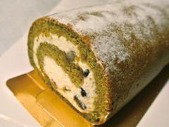 米粉を使ったロールケーキ(抹茶)