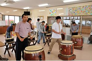 太鼓クラブの練習