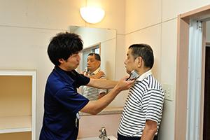 ひげ剃り介助