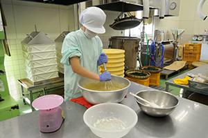 ふくれ菓子の調理作業