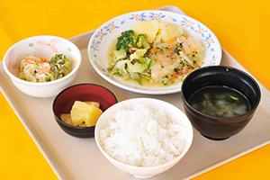給食メニュー例(昼食)