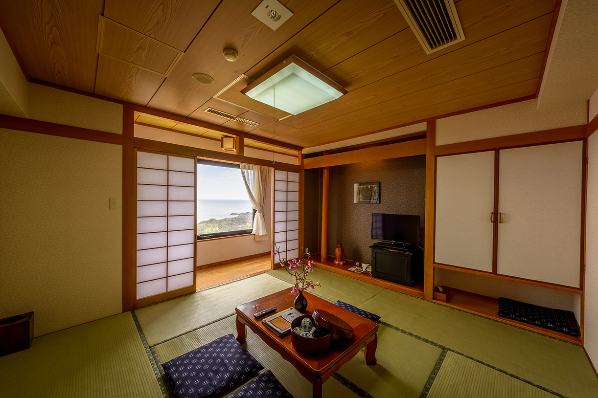 All Japanese-style room / 49 rooms